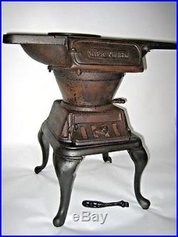 Antique Cast Iron Stove Excellent Condition Vintage 1900 1909 Fully Functional