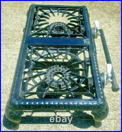 Antique GRISWOLD No 502 Cast Iron 2 Burner Gas Stove