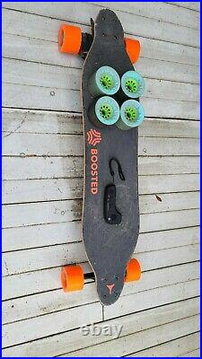 Boosted Board V2 Dual+ (Extended Range & Standard) with 85mm Blue Caguama's