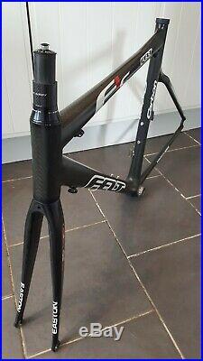 Fantastic Felt F1C Range Topping Full Carbon Fibre Frame & Carbon Fibre Forks