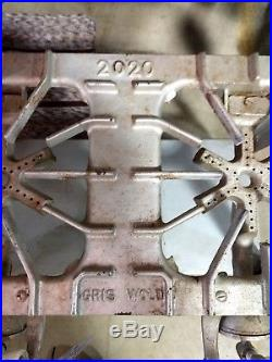 Griswold No. 2020 2 Burner Stove