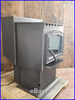 Harman, Harman P38 Freestanding Pellet Stove, 2006, 43,000 BTU, Refurbished
