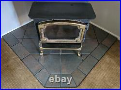 LOPI ENDEAVOR Wood Burning Stove Brass Door & Legs withHearth Pad & Accessories