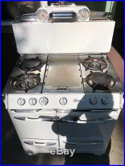 Okeefe & Merritt #7 vintage gas stove