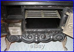 RARE c. 1900 Dolly's Favorite Cast Iron Toy Stove, Salesman Sample, Piqua, Ohio