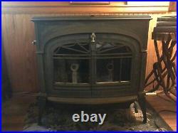 Vermont Castings Defiant Encore cast iron wood stove, glass doors, top loading