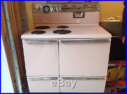 Viintage GE Stratoliner 1950's Stove Oven rare pink with accessories