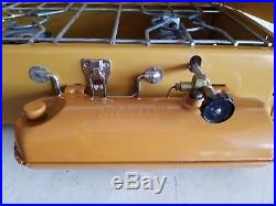 Vintage 4/72 Coleman Gold Bond 413G Stove w Box Works Great Clean