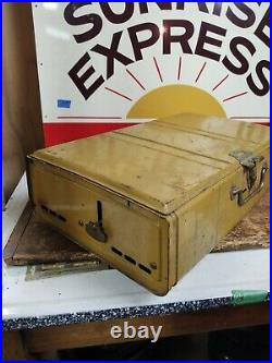 Vintage Gold Bond Yellow Coleman 413G Stove Dated 11/72 Tested Works