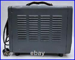 Vintage Hewlett-Packard Wide Range Oscillator Model 200CD Power On Tested AS-IS
