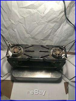 Vintage WWII Era Coleman US MD stove Model 523 with Original Case
