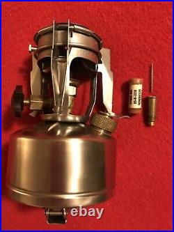 WW2 Mountain Gas STOVE Coleman M1942-MOD. / C. A. 1945 Near Mint