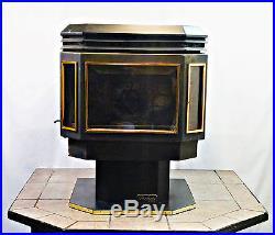Winrich Perfecta FS Pellet Stove, 40,000 BTU Used / Refurbished SALE
